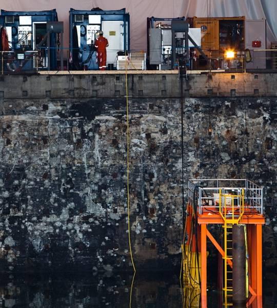 Подводный испытательный центр: во Второй мировой войне в качестве ручки для подводных лодок, а теперь и в качестве подводного учебного, испытательного и производственного центра OceanTech. КРЕДИТ: автор / OceanTech