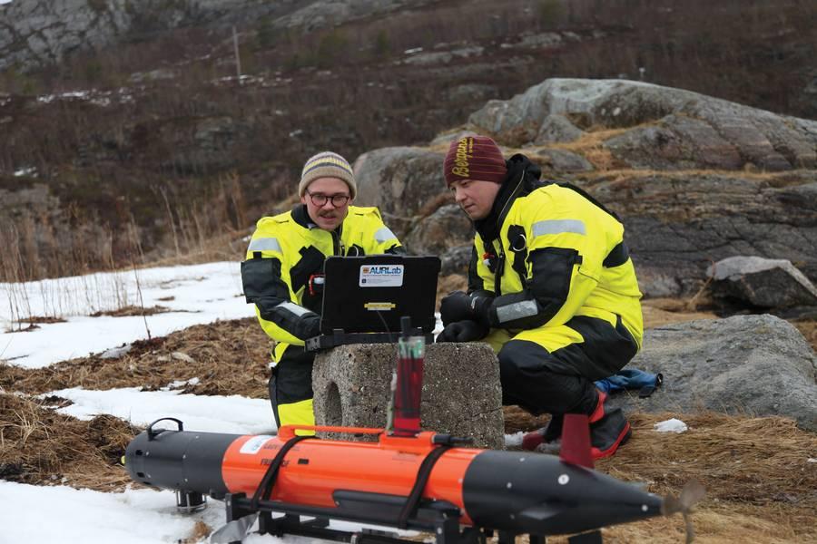 Criativo: os pesquisadores noruegueses de AUV e oceanográficos trabalham em sincronia. Crédito da foto: Professor Martin Ludvigsen, NTNU AMOS