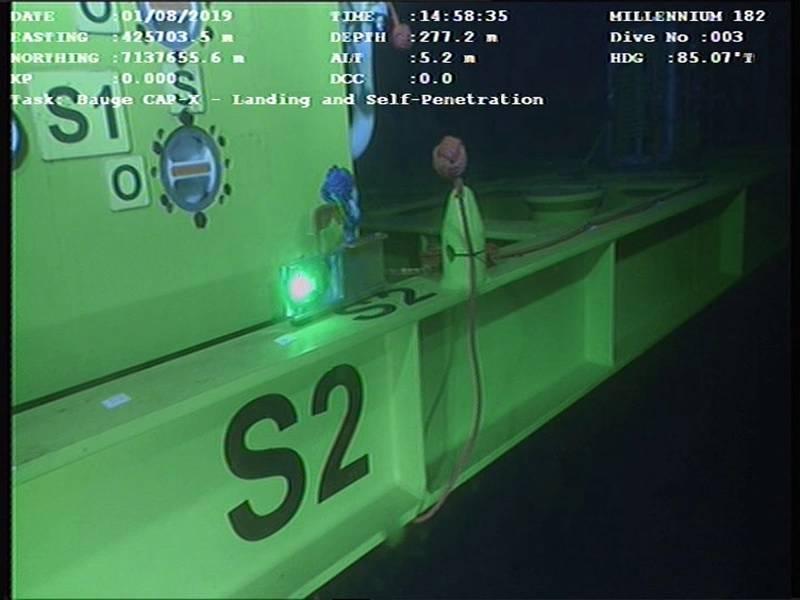LUMAモデムは、海中クレーン操作を支援するために、ROVを介してジャイロデータを地表に送信するために使用されています。 Hydromeaからの写真。