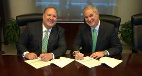 Rick Fowler, COO of LLOG and Doug Pferdehirt Chairman and CEO of TechnipFMC (Photo: LLOG)