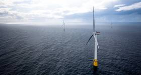 Hywind Scotland floating offshore wind turbines. (Photo: Øyvind Gravås / Woldcam - Equinor)
