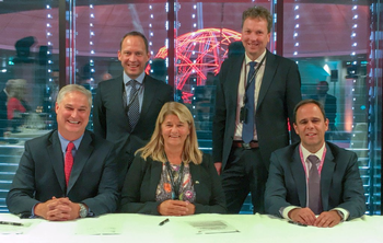 Doug Pferdehirt (left), CEO TechnipFMC, Torger Rød, SVP Equinor, Margareth Øvrum, EVP Equinor, Kjetil Hove, SVP Equinor, and Luis Araujo, CEO Aker Solutions. (Photo: Equinor)