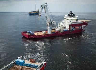 Αφρικανική ώθηση: πλοίο κατασκευής υποθαλάσσιας σκάφους DOF (Φωτογραφία: Υποθαλάσσιο DOF)