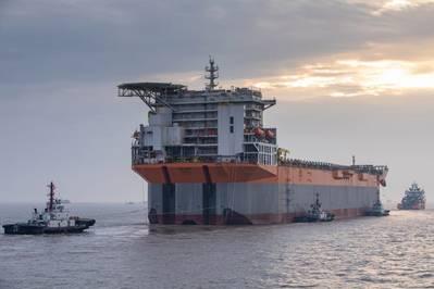 В Гайане: построенная в Китае LPSA Unity FPSO прибывает в Сингапур для интеграции верхних строений. FPSO предназначен для разработки ExxonMobil Liza месторождения в Гайане. (Фото: SBM Offshore)