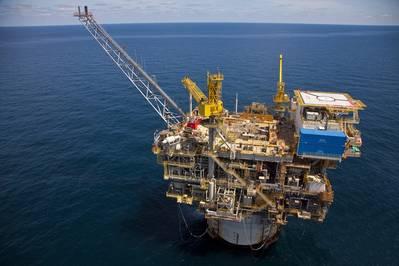 シーザートンガ油田は、憲法上のスパー浮遊生産施設に結び付けられています(写真:Anadarko)