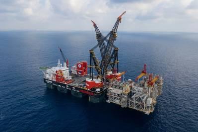 ファイル写真:世界最大のクレーン船であるHeeremaのSSCV Sleipnirは、9月にノーブルエナジーのリヴァイアサン開発用の上部を取り付けます(写真:Heerema Marine Contractors)