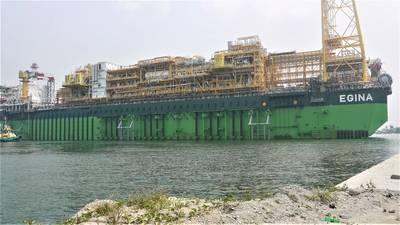 位于尼日利亚海岸130公里处的超深Egina油田的Egina FPSO水深超过1500米。该船能够容纳230万桶石油,是法国石油巨头道达尔有史以来建造的最大石油(图片来源:SAPETRO)