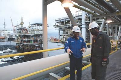 Em 2012, a concessão offshore do Bloco 0 em Angola produziu o seu 4 bilionésimo barril de petróleo bruto. A Chevron é o maior empregador da indústria petrolífera estrangeira do país. (Foto: Chevron)