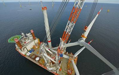 Ein Windkraftanlagen-Installationsschiff (Foto: Fred Olsen Wind Carrier)