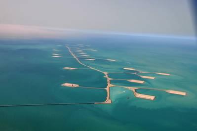Ilustração; Um campo de petróleo offshore da Saudi Aramco - Crédito: Saudi Aramco