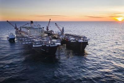 Pioneering Spirit устанавливает трубопровод в шведских водах (Фото: Nord Stream 2)