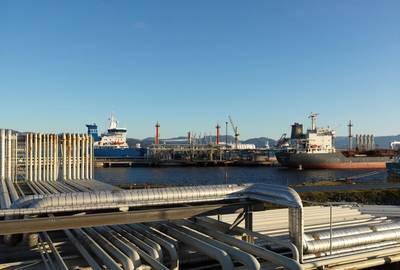Válvulas e tubos: o material da Refinaria costeira de Mongstad (foto) e a maioria das outras instalações offshore (Crédito: Oyvind Hagen, Equinor)