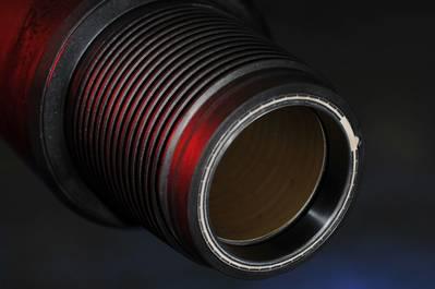 O fio dentro do tubo de perfuração permite a transferência de dados em alta velocidade. (Foto: IntelliServ)