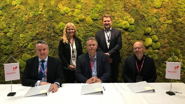 From the left: Chris Jones, Europe OFS leader, Peggy Krantz-Underland, SVP Supplier Chain (/Anskaffelser), Jan Erik Klungtveit, business development manager, Geir Tungesvik, SVP Drilling & Well and Geir Egil Olsen, director Weatherford. (Photo: Kjetil Eide / Equinor)