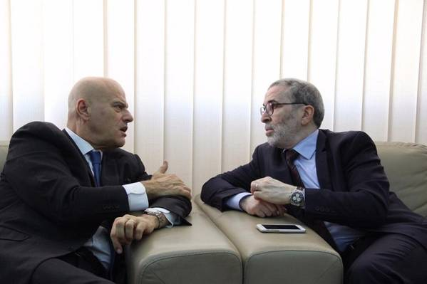 Eni CEO Claudio Descalzi (left) with NOC Chairman Mustafa Sanalla (Photo: NOC)