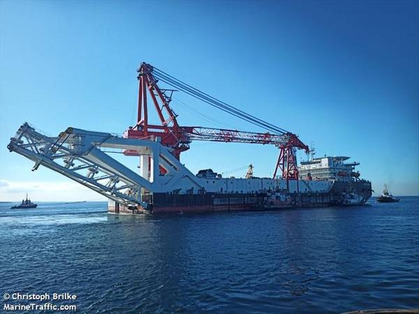 Fortuna pipelayer - Photo by Christoph Brilke/MarineTraffic.com