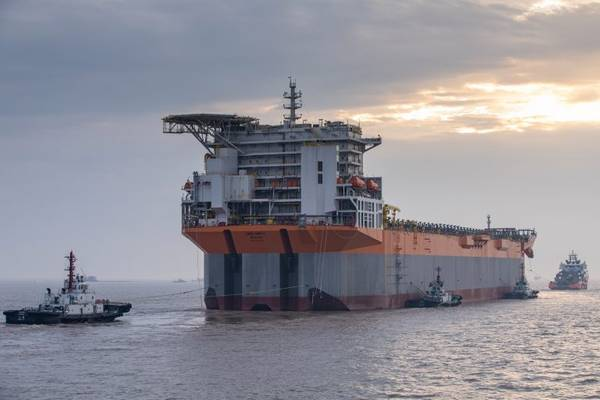 Guyana-bound: The Chinese-built Liza Unity FPSO arrives in Singapore for topsides integration. The FPSO is destined for the ExxonMobil-operated Liza field development in Guyana. (Photo: SBM Offshore)