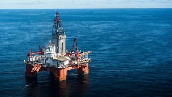 The West Hercules drilling rig in the Barents Sea. (Photo: Ole Jørgen Bratland)