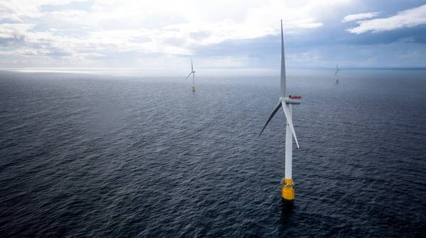 Hywind Scotland floating offshore wind turbines. (Photo: Øyvind Gravås / Woldcam - Equinor)