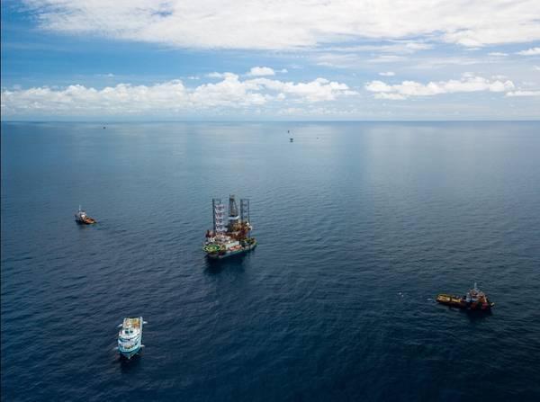 Illustration - A Jack-up drilling rig / Credit; bomboman/AdobeStock