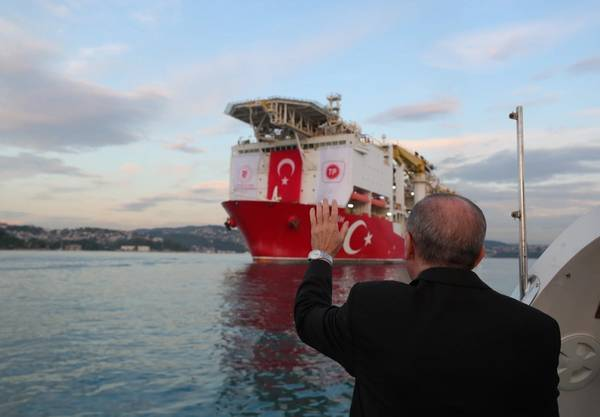 On ship, Turkish leader due to announce latest gas find