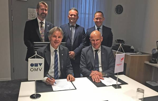 Johann Pleininger (left), executive board member responsible for Upstream in OMV, and Arne Sigve Nylund, Equinor's executive vice president for Development and Production Norway, signed the MoU this week. Behind: Knut Egil Mauseth (left), SVP North Sea & Managing Director OMV Norway, Asbjørn Løve, vice president Partner operated fields DPN, and Torger Rød, senior vice president project development TPD. (Photo: Equinor)