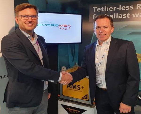 Igor Martin, Hydromea CEO and David Mair, Ashtead Technology Business Development Director