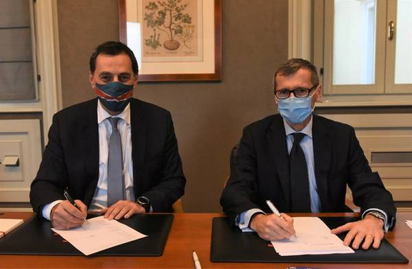 Mathios Rigas of Energean and Nicola Monti of Edison at the socially distanced signing ceremony this morning in Milan
