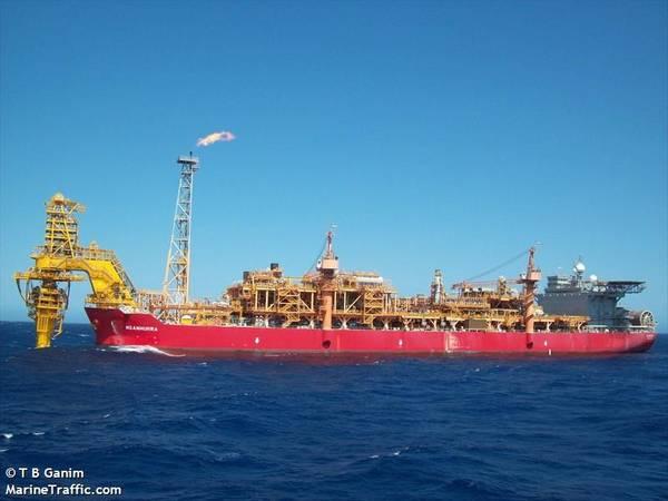 Nganhurra riser / Image by T B Ganim/MarineTraffic.com