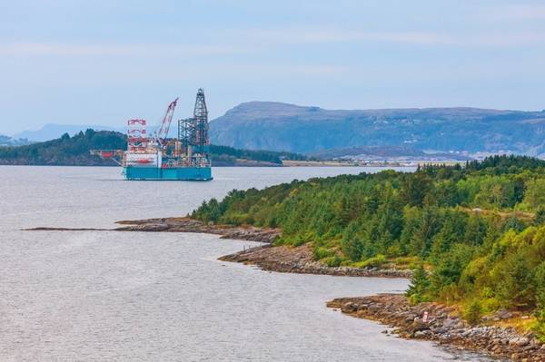 An offshore rig in Norway - Credit.Kisa_Markiza/AdobeStock
