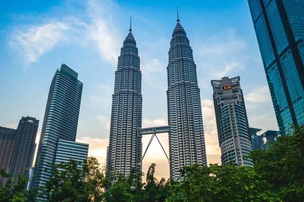 Petronas Towers in Kuala Lumpur - Image by Richie Chan