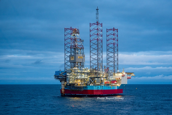 Picture showing Mærsk Inspirer on location at the Yme field (photo: Repsol/Bitmap).