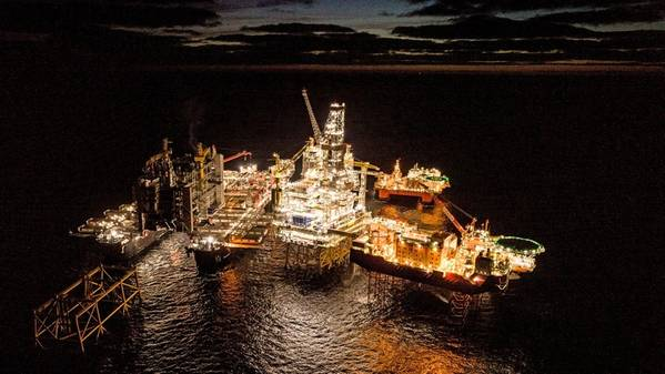 Pioneering Spirit moving in to perform world heaviest offshore lift (Photo: Roar Lindefjeld & Espen Rønnevik - Woldcam / Equinor)