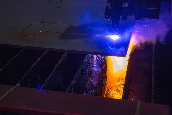 Первая сталь была разрезана для первого корпуса Fast4Ward SBM на верфи SWS в Шанхае, Китай, еще в марте 2018 года. (Фото: SBM Offshore)