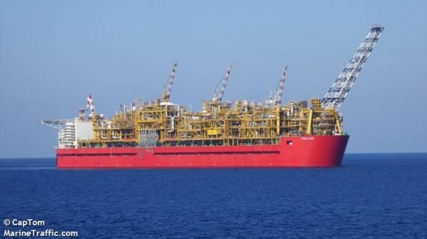 مقدمة FLNG - صورة بواسطة CapTom - MarineTraffic