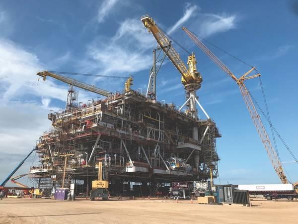 منصة Peregrino WHP-C في ساحة Kiewit في Ingleside ، تكساس. من المقرر أن تصل إلى البرازيل في أواخر هذا العام وتبدأ عملياتها في أواخر عام 2020. (تصوير: أوسكار أيالا / إيكينور)