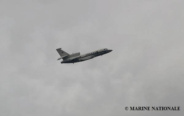 一艘法国海军飞机正在协助寻找沉没的近海拖船供应船波旁·罗德(Bourbon Rhode)失踪的八名机组人员。下沉时船上14名机组人员中的3名已获救,三名已确认死亡。 (照片:国家海军陆战队)
