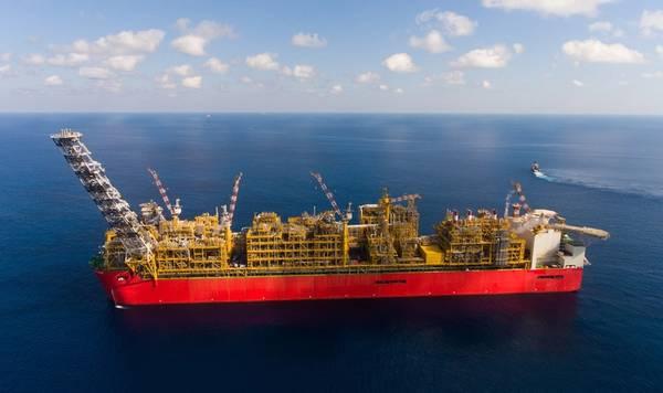壳牌表示,其最近在澳大利亚近海的Bratwurst -1勘探井中发现的天然气和凝析油为进一步扩展其大型Prelude FLNG设施提供了机会。 (照片:出售)