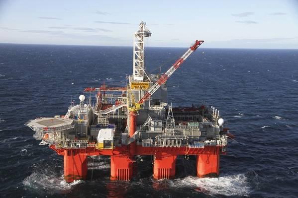 Arktisfähig: das Halbtauchbohrgerät Transocean Barents (Foto: Equinor)