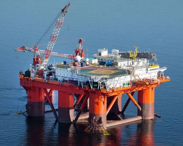 Ilustração; Um equipamento de alojamento offshore de prosafe - Imagem por Prosafe