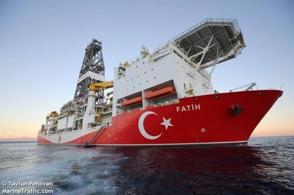 Navio de perfuração Fatih do TPAO - Imagem por Tayfun Pehlivan - Marine Traffic
