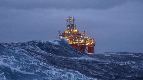 Transocean Spitsbergen (फोटो: एस्पिन केम्प और एसोसिएट्स)