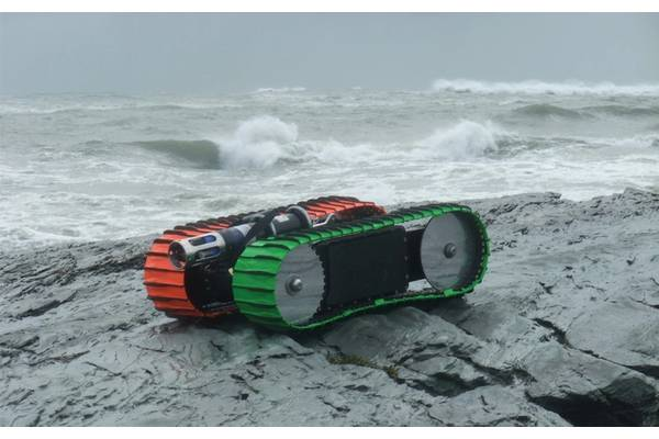 Figure 1 The Sea Otter Surf Zone Crawler. Image: C-2 Innovations, Inc.