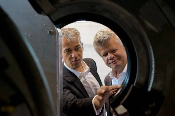 Kongsberg Ferrotech technical manager Torgeir Bræin and CEO Christopher Carlsen. Photo from Kongsberg Ferrotech.