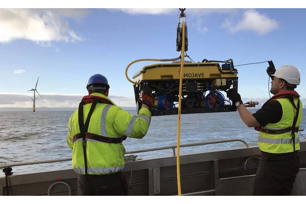 Rovco launches an ROV on a windfarm survey. Photo from Rovco.