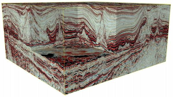 迅速でハイエンドの処理と画像処理フローをレガシーデータに適用した後のブラジル沖の地震データの3D立方体。 (出典:イオン)