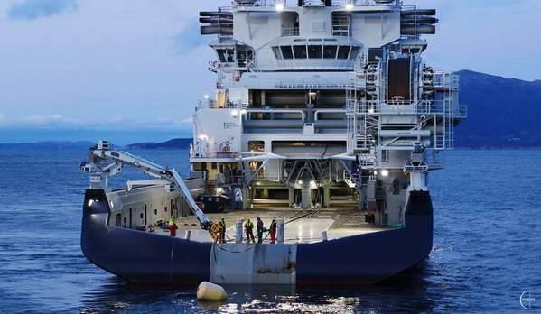 A Island Offshore recebeu hoje a Island Victory, uma nova embarcação de instalação offshore, na VARD Langsten. Foto: Ilha Offshore / Droneinfo